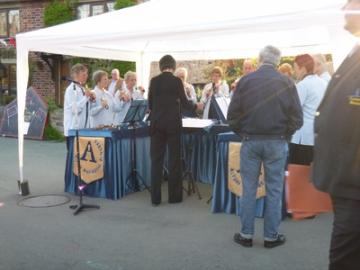 The Alton Handbell Ringers at their outdoor concert